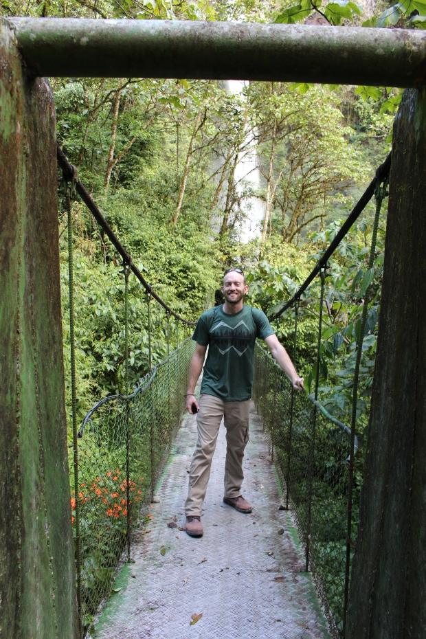 Small hanging bridge at the base of Machay Falls